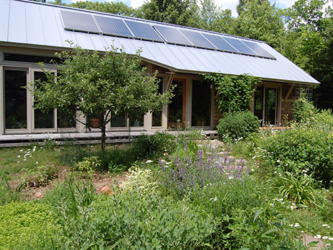 Inglese Queen Truss House exterior + PV panels